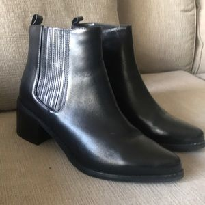 Blondo 7.5 Chelsea Boots 100% Waterproof